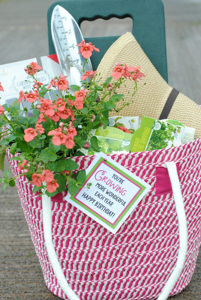 Cute Birthday Gift Idea for Someone Who Loves to Garden!