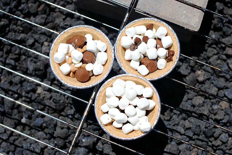 S'mores Mini Pies Recipe