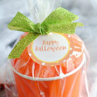 Easy Halloween Gift-Candy Pumpkin Treat Cups