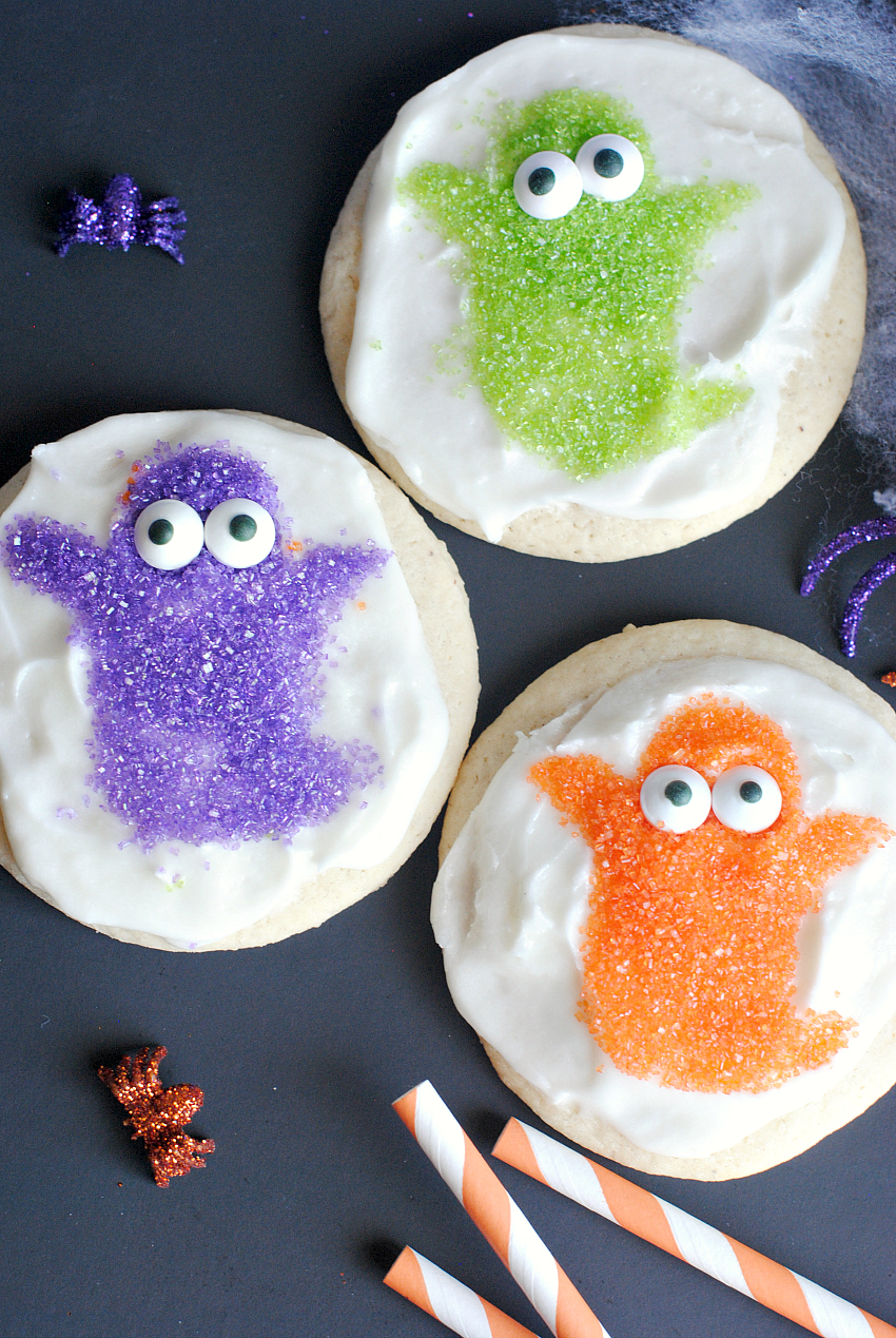 Easy Halloween Cookies-Cute Ghosts