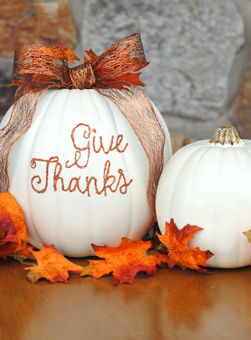 Thanksgiving Pumpkin Centerpiece Idea