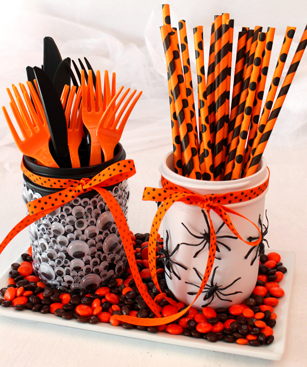 Halloween-mason-jar-craft-pic-1