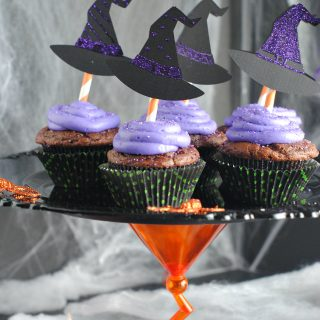 Witch Cupcakes & Halloween Cupcake Stand