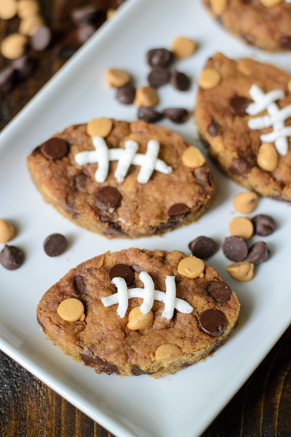 how-cute-are-these-football-chocolate-chip-peanut-butter-blondies-perfect-for-game-day-and-tailgates-600x900