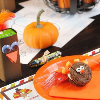 Thanksgiving Kids' Table Setting Ideas