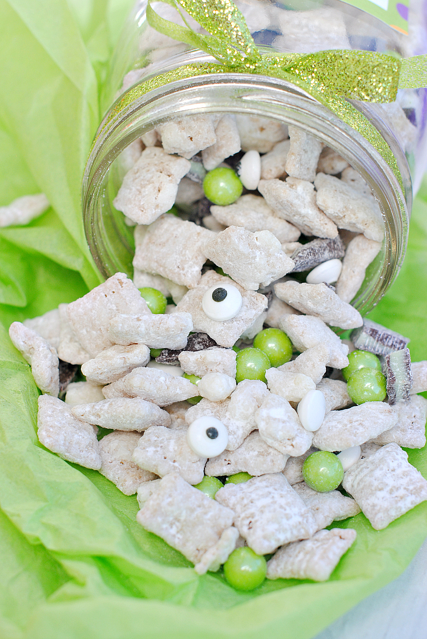 Mint Monster Muddy Buddies