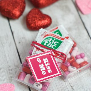 Simple & Small Valentine Gift: Kiss Me Valentine