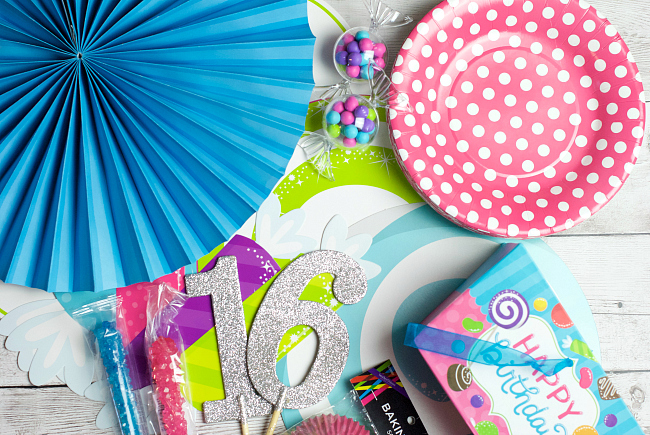 Sweet 16 Party Supplies