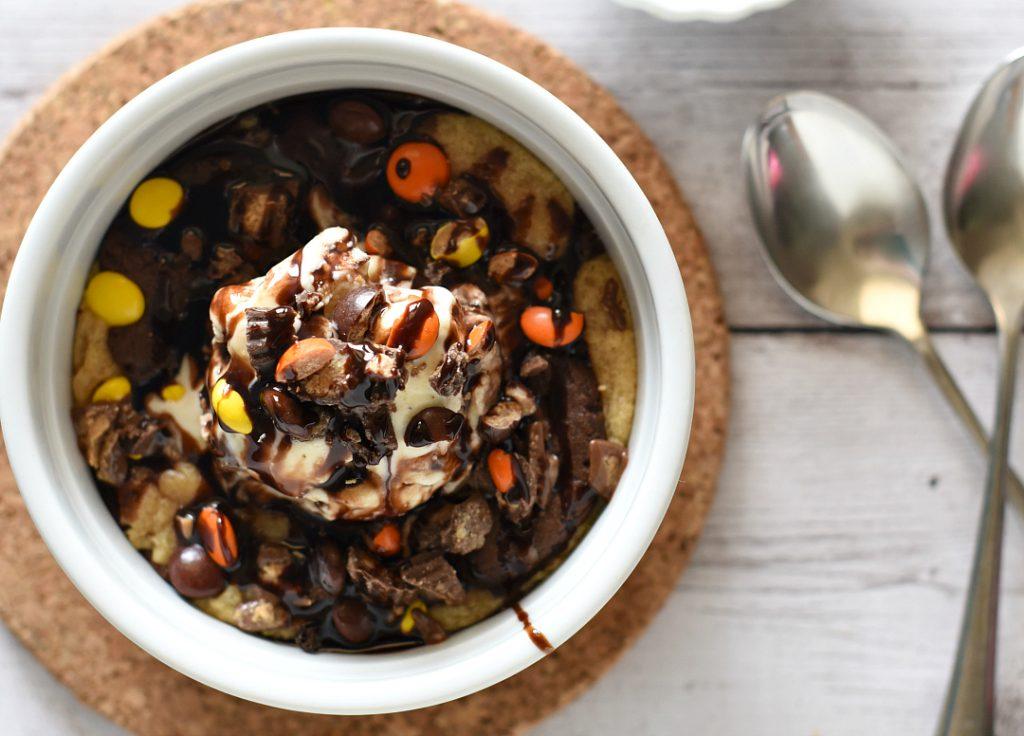 Chocolate Peanut Butter Pizookie Recipe