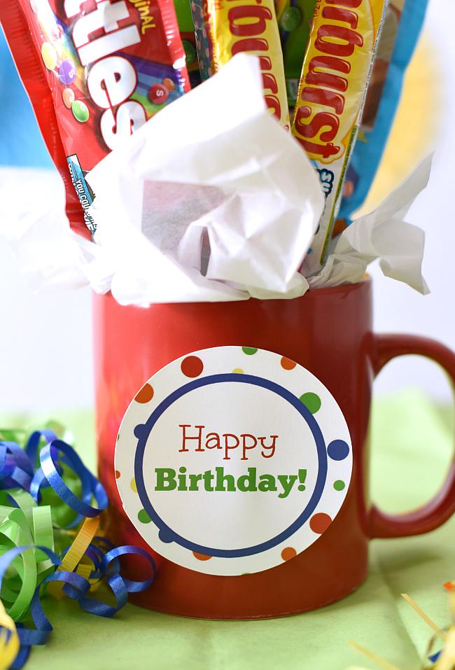 Easy Birthday Gift Idea-Candy Bouquet In A Mug