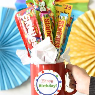 Easy Birthday Gift Idea-Candy Bouquet in a Mug