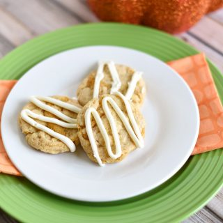 Super Easy 4 Ingredient Pumpkin Spice Cookies
