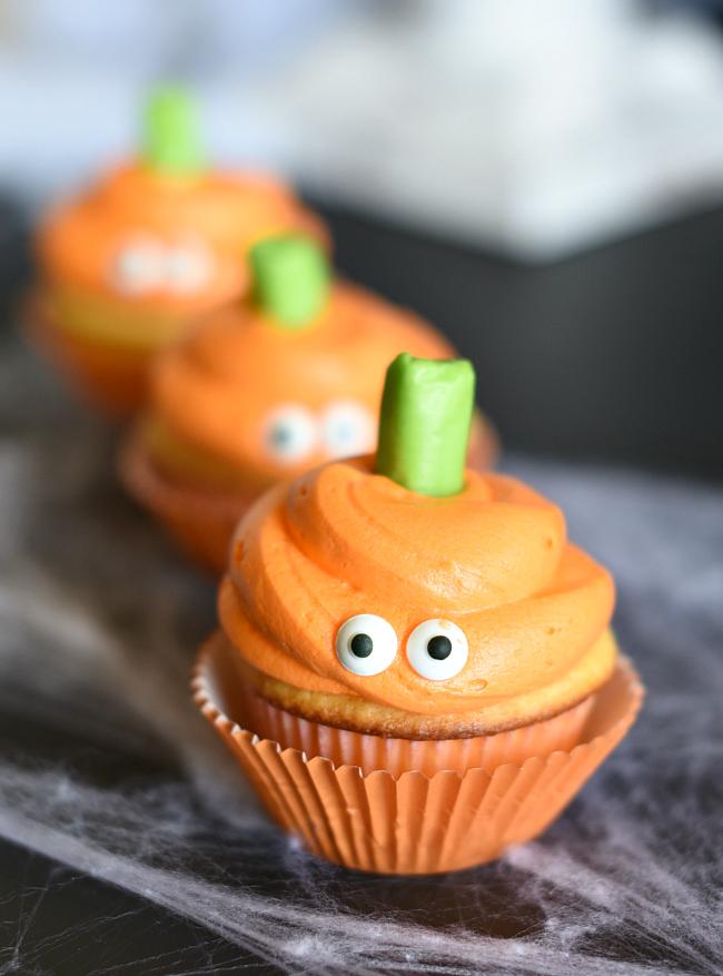 Easy Halloween Food Idea-Pumpkin Cupcake Recipe