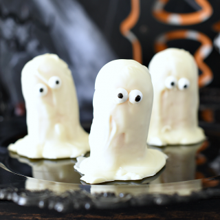 Ghost Twinkies-Easy Halloween Treats