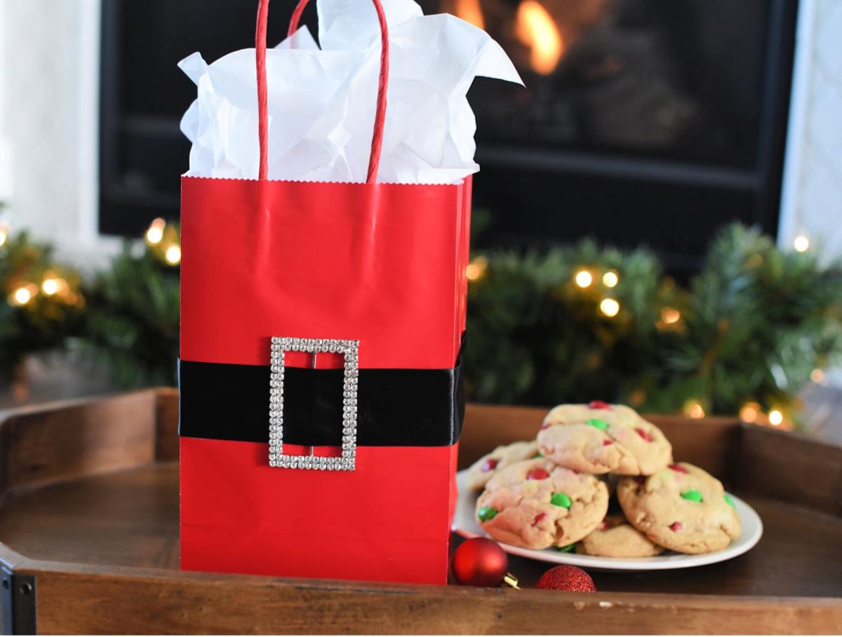 DIY Santa Belt Gift Bag