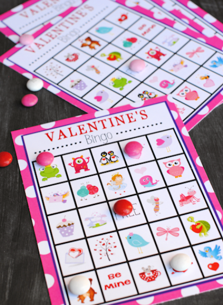Valentine's Bingo Game to play at Valentine's parties #valentines #valentineparty